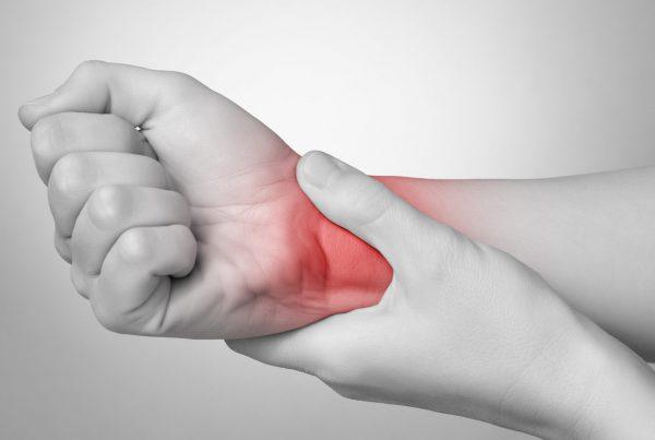 Smertesyndrom i arm etter bruddskade. Kontakt Advokatfirmaet Sandgrind Ellefsen for rettslig hjelp ved en lignende sak.